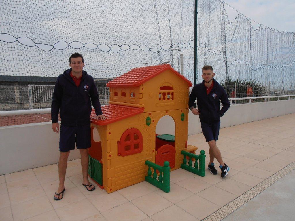 Louis et Guillaume et la nouvelle cabane